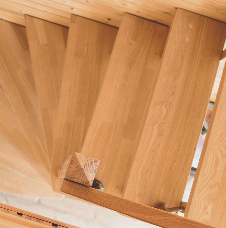 Schody i stolarka drewniana